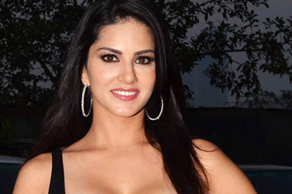 Bollywood Actress Contact Numbers, WhatsApp Numbers, Phone Nos